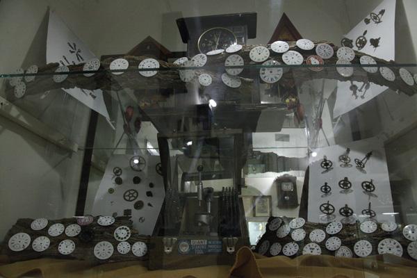 718 موزه ساعت کرمان