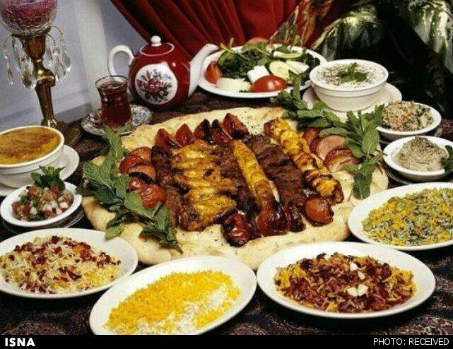 1237 منوی غذاهای رشتی روی میز یونسکو