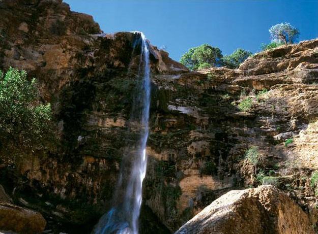 1607 آبشار طوف خیمه سوق