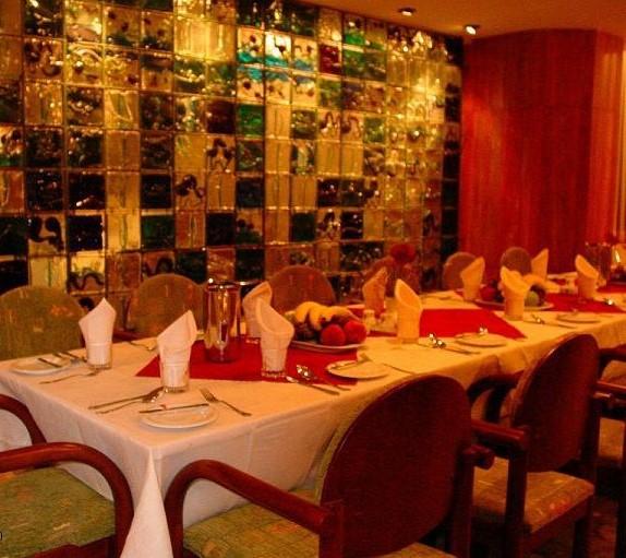 10 رستوران گل سرخ یزد