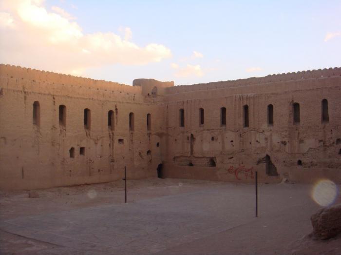 قلعه ابرند آباد