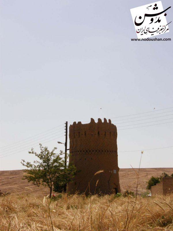 برج و دروازه حاجی جلال