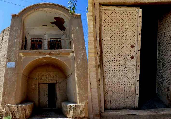 خانه قلعه ای های ندوشن