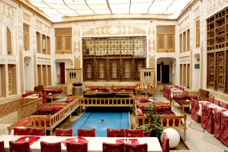 انتیک رستوران وهتل آنتیک ملک التجار یزد