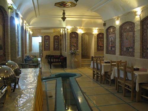 انتیک2 رستوران وهتل آنتیک ملک التجار یزد