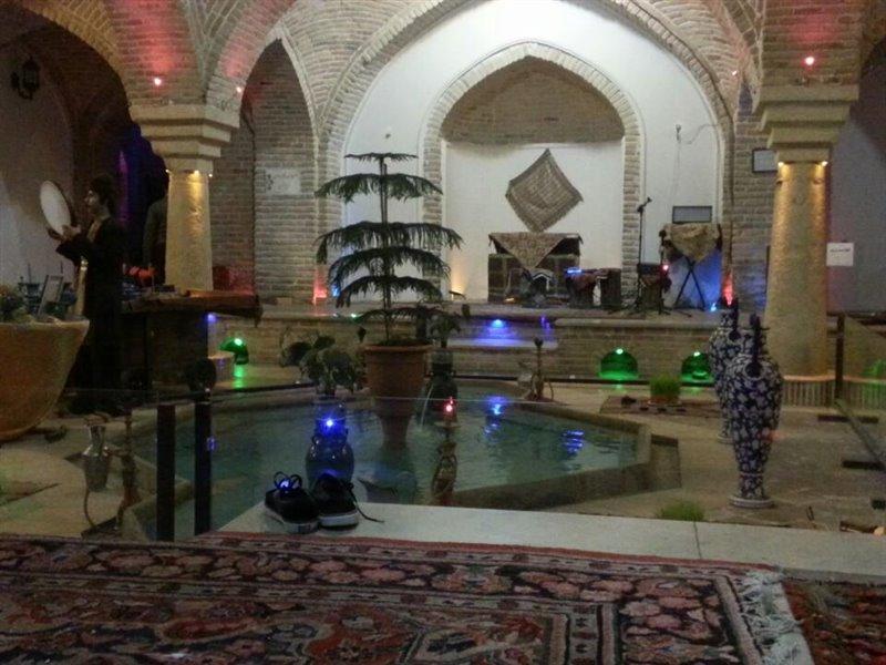 قلعه ه5 موزه و سفره خانه سنتی حمام قلعه همدان