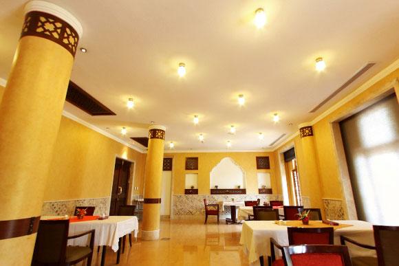 رستوران نارین هتل پارسیان صفائیه یزد