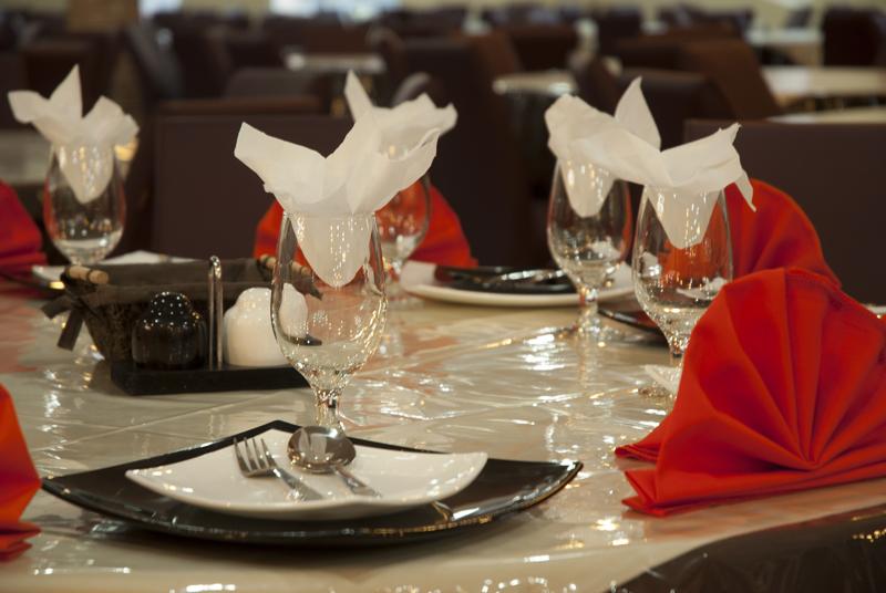 رستوران داریوش گنج نامه همدان