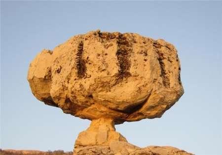 2831 تخریب سنگ چهره اثر طبیعی و تاریخی سرفاریاب یاسوج