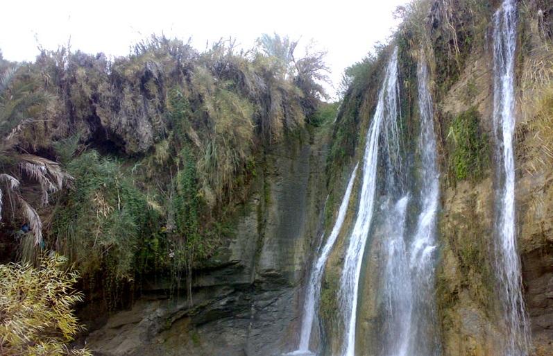 16 آبشار فاریاب