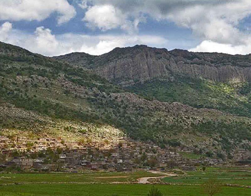 روستای دزلی سرو آباد