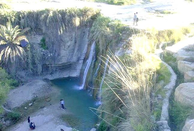 18 آبشار فاریاب