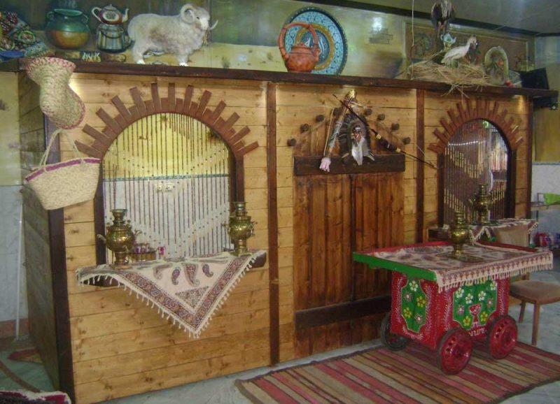 ارم 4 رستوران سنتی باغ ارم کرج