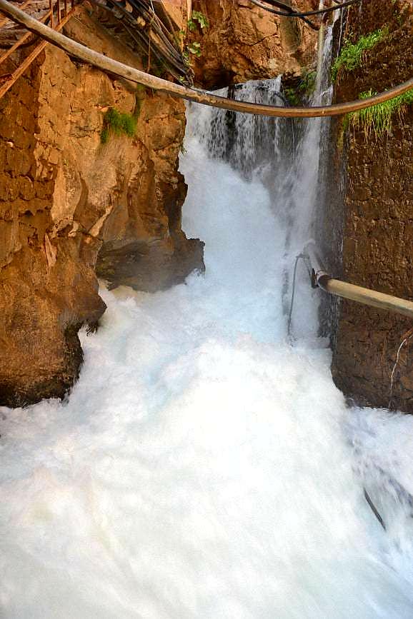 چشمه بل یا رود کانی بل (کوتاه ترین رودخانه دنیا)