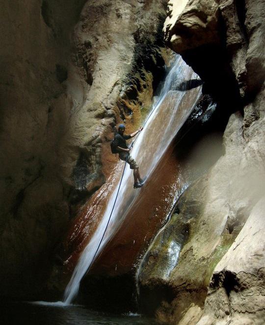 596 آبشارهای تنگه رغز