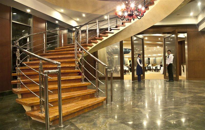 q رستوران ایرانی هتل شیراز