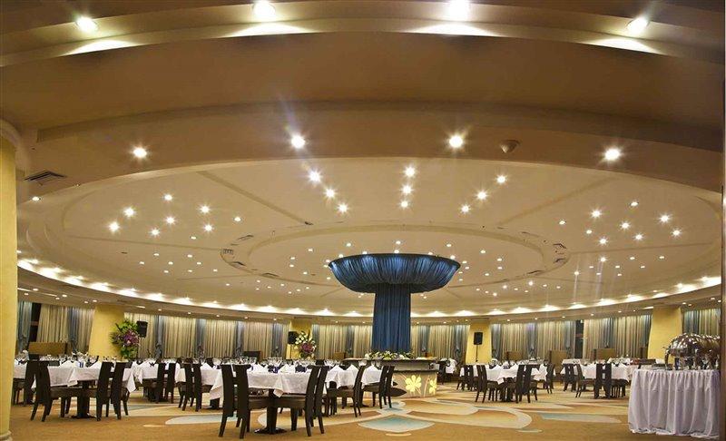 qqq رستوران ایرانی هتل شیراز