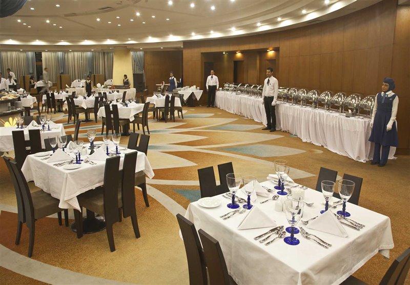 qqqq رستوران ایرانی هتل شیراز