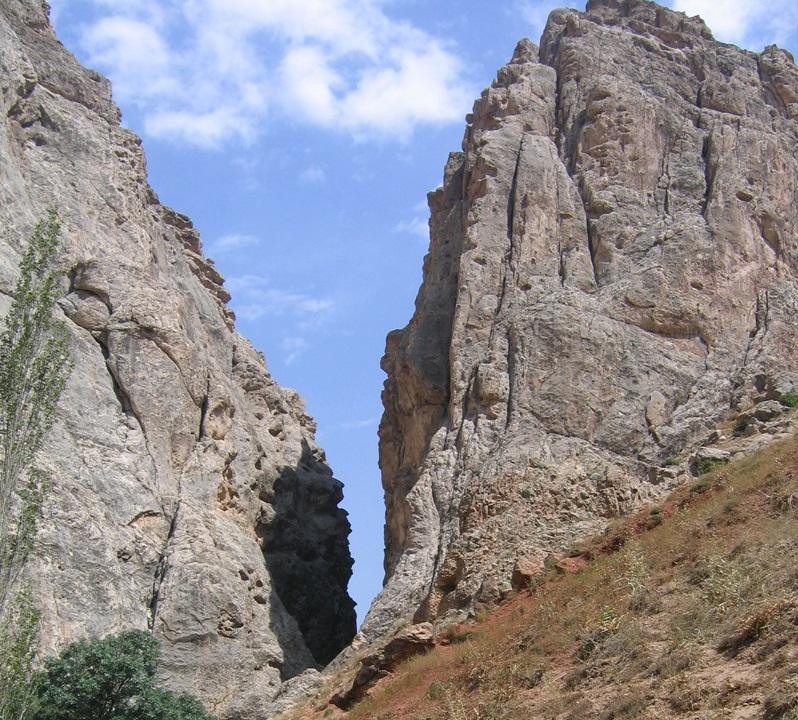 207 آبشار تنگه واشی