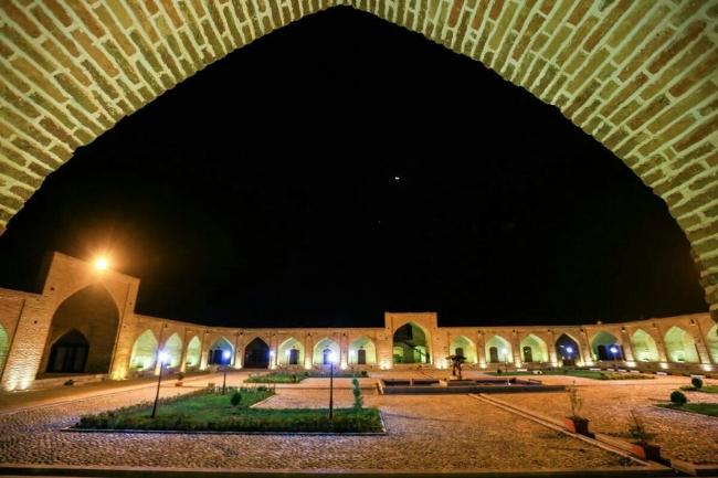 2445 هتل کاروانسرای بین المللی لاله بیستون