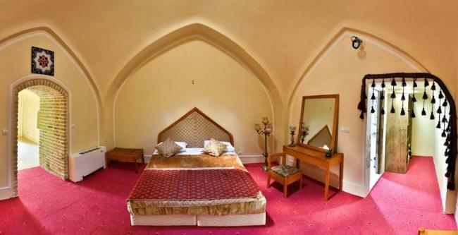 2452 هتل کاروانسرای بین المللی لاله بیستون
