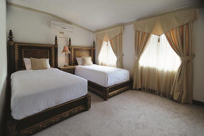 2526 هتل مروارید خزر نور