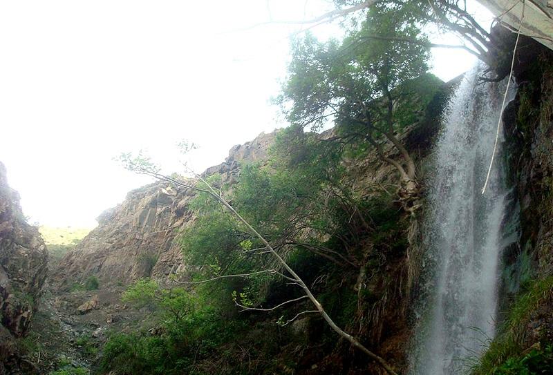 آبشار اغشت