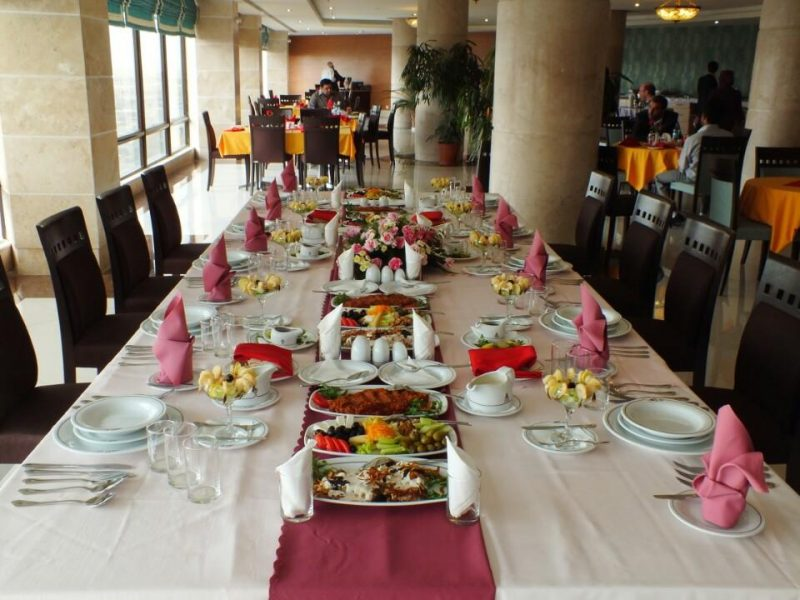 رستوران هتل پارسیان کرمانشاه