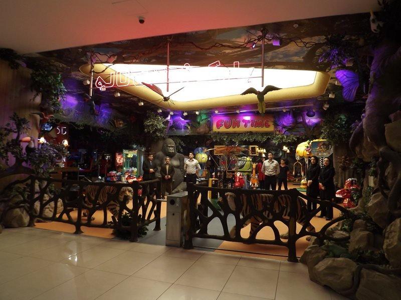 980 مجموعه بزرگ تجاری تفریحی لاله پارک