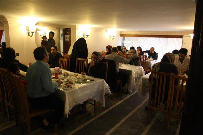 رستوران میزبان بابلسر