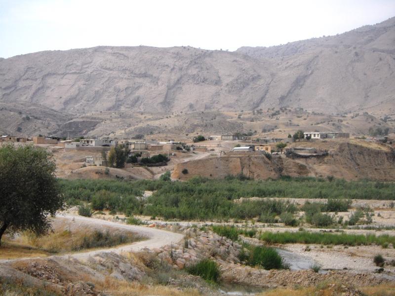 -باتون-در-منطقه-بردنگان-ممسنی-2 روستای بردنگان