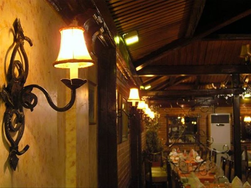 1257 رستوران موفتار تهران