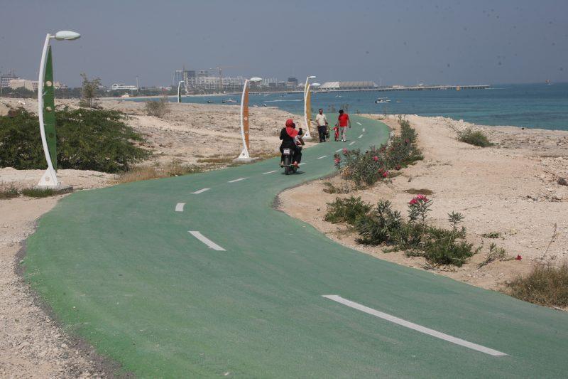 637 دوچرخه سواری در کیش