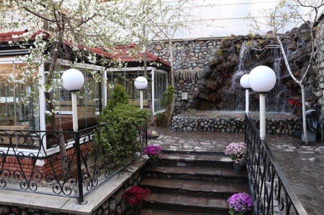 باغ بهشت رستوران باغ بهشت فشم