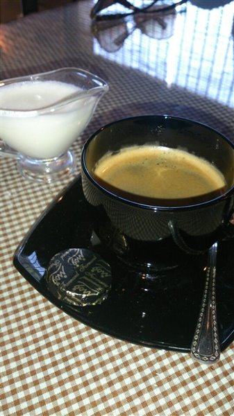 کافه رستوران کلاسیک فنجون تهران