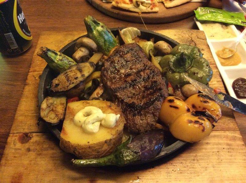12-4 رستوران ایتالیایی میلاد تهران