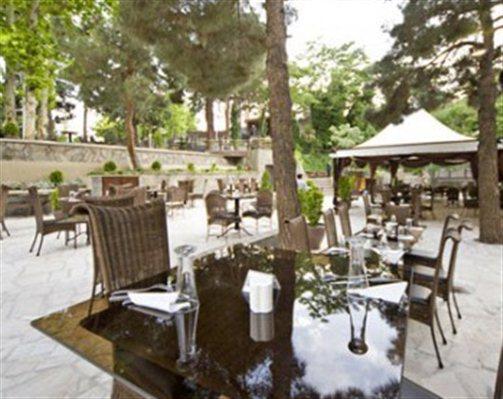12 رستوران و کافی شاپ آبشار تهران (هتل استقلال)