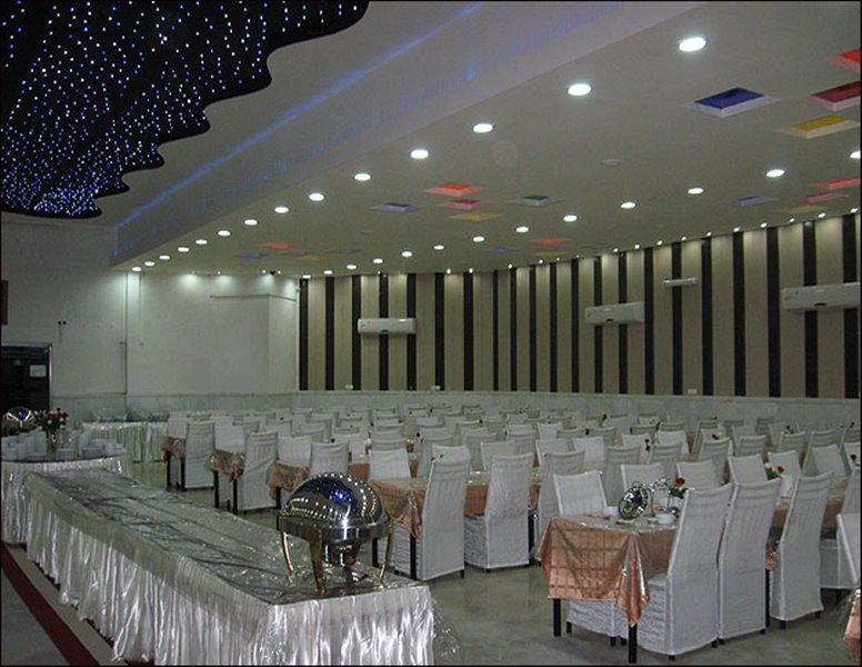 4-1 رستوران ساعت مشهد