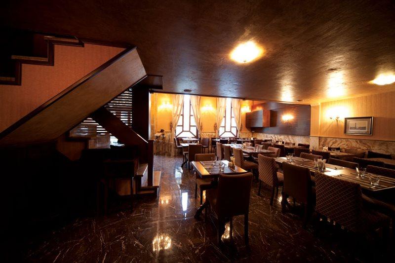 9-4-5 رستوران باکس تهران ( شهرک غرب )