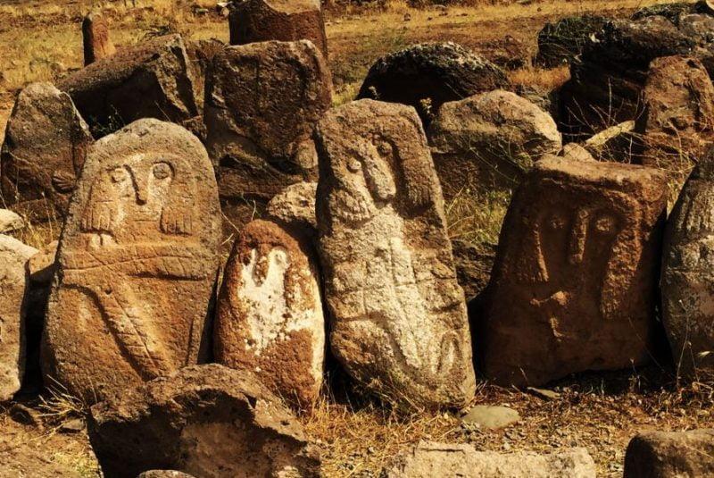 عجیب ترین گورستان تاریخی اردبیل