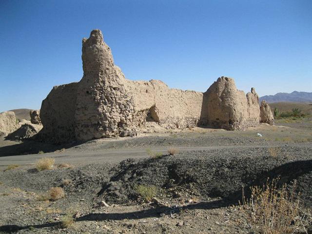 30 قلعه برکوه