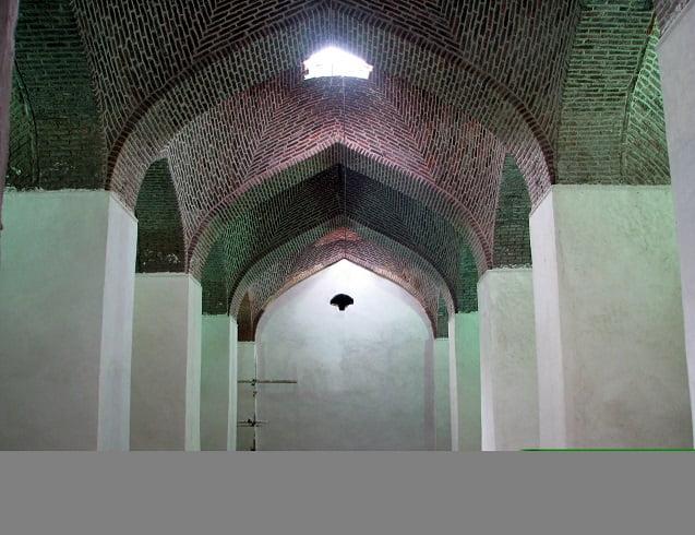 آب انبار شیخ علیخان زنگنه