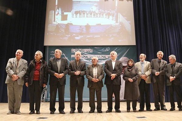 معاون سابق میراث فرهنگی: گردشگری، وزارتخانه شود