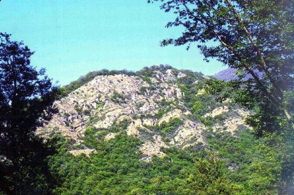 قله چهل پوغ