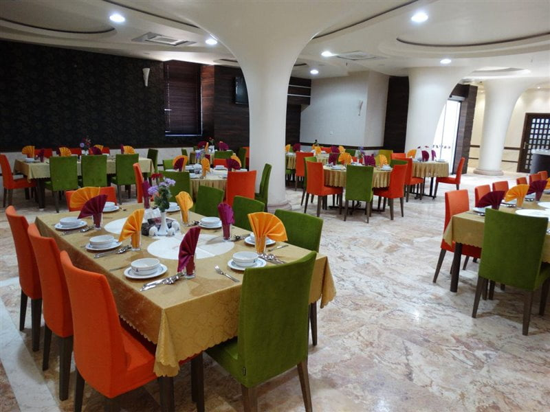 هتل علمدار بافق