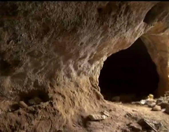 غارهای باستانی کنزق
