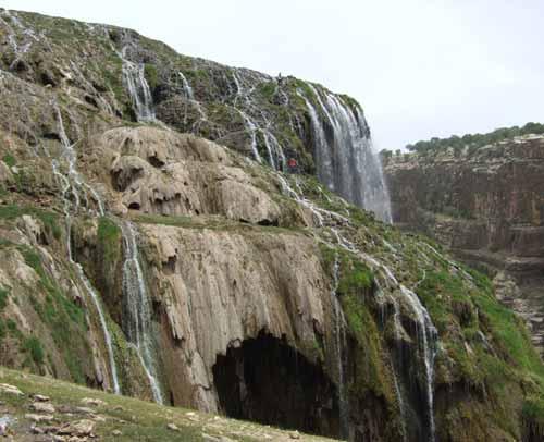 آبشار چاروسا