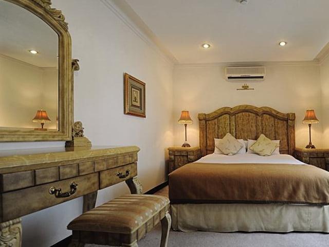 هتل مروارید خزر محمود آباد