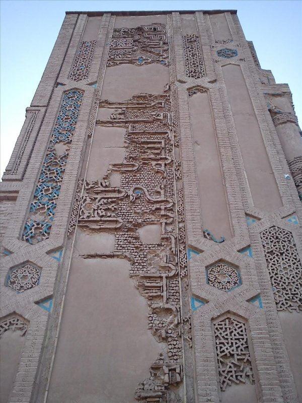 کاشی های زیبای مسجد ملک زوزن