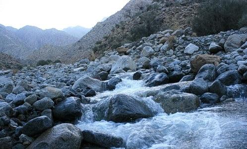 چشمه آب معدنی رود فرق